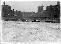 High water under the Erie Canal Aqueduct in 1919