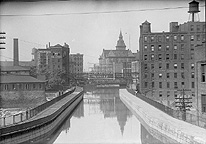 Erie Canal Aqueduct in 1921, looking west
