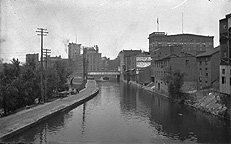 Erie Canal near South Avenue