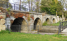 The towpath arches of the Jordan Aqueduct, looking northeast