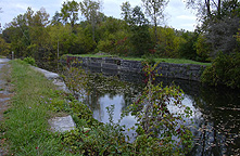 The aqueduct from the towpath, looking southeast